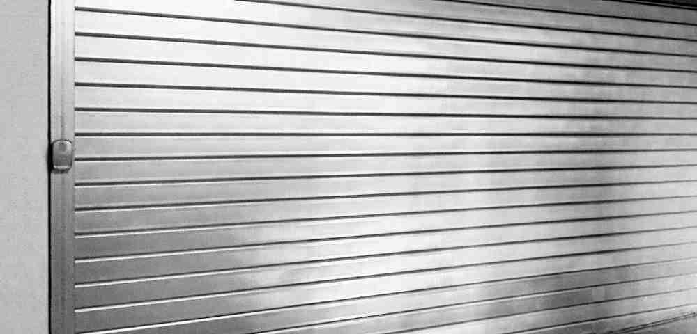 persiana enrollable metalica puertas 1000x480 - Instalacion Persianas Valencia Reparacion Persianas Valencia